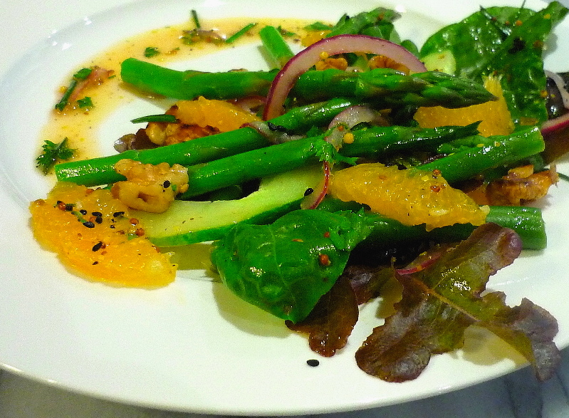 Asparagus Orange and Walnut Salad