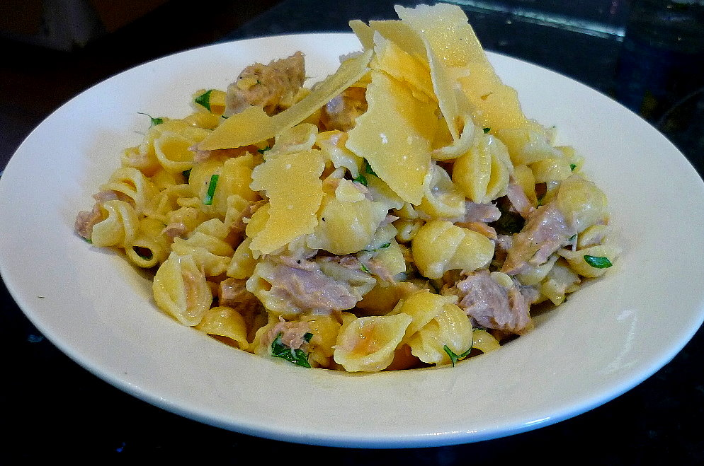 Macaroni Cheese with Tuna